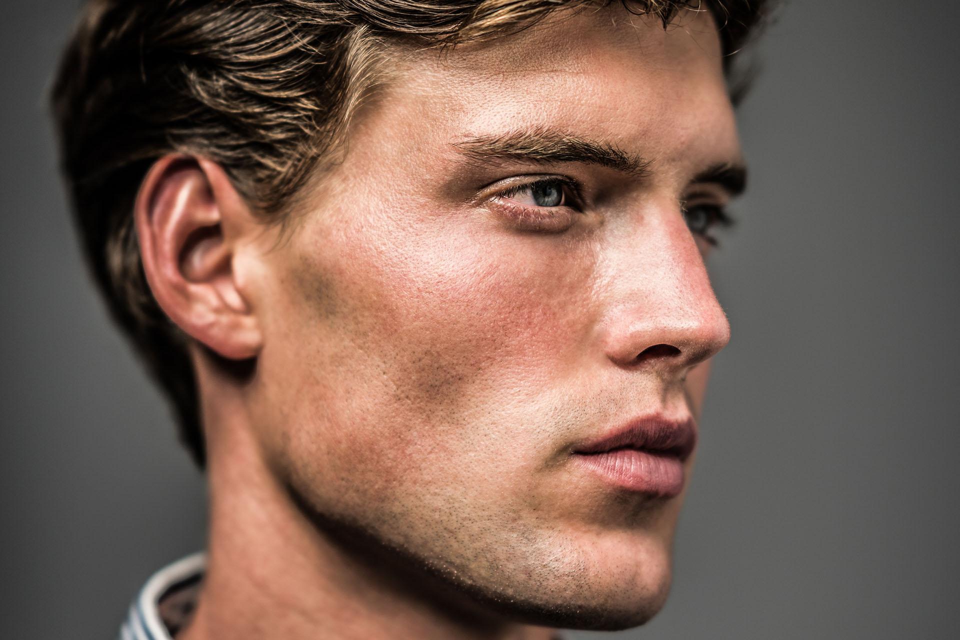 Yoscha, Model
